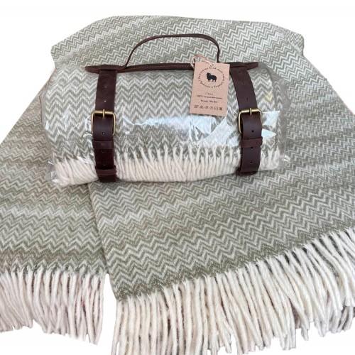 Woolen travel plaid 130 * 180 Zig-zag olive Love You